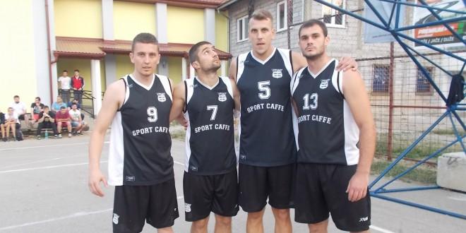 """Trijumfom ekipe """"Sport kafe"""" završen je turnir u uličnoj košarci """"Kotor Varoš 2017"""""""